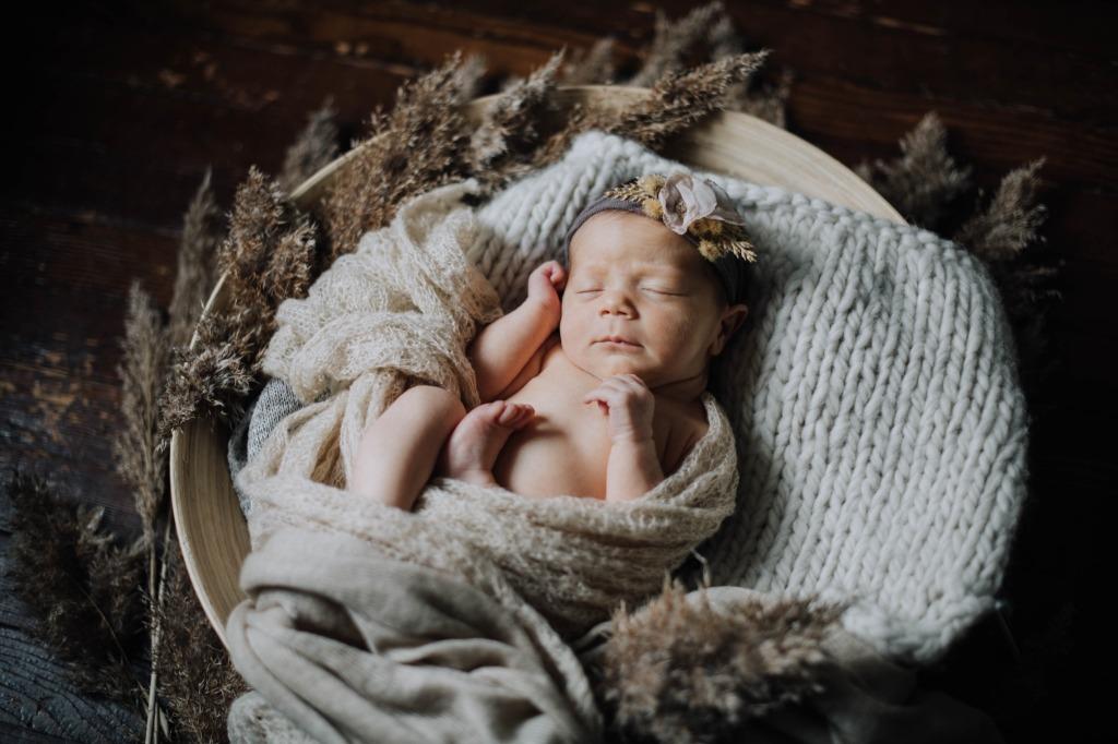tessa newborn 04